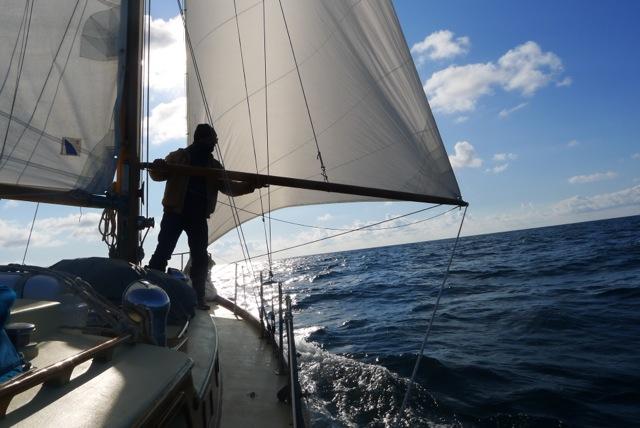 Marc Bielefeld | Bildervortrag: Wer Meer hat, braucht weniger - Über den Rückzug auf ein altes Segelboot