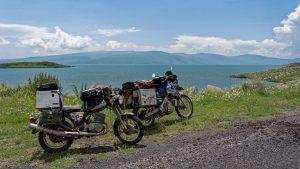 Uli Kaukasus - Motorräder am Meer